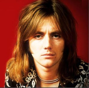 Roger_Taylor_red_550x543